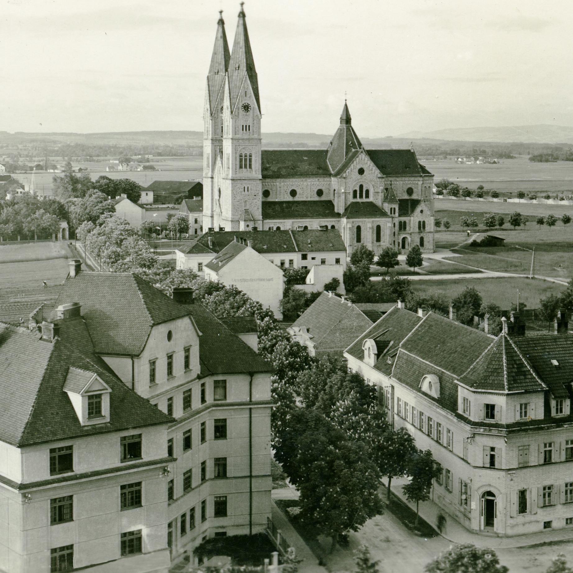 Foto Überblick über die Neustadt Richtung Herz-Jesu