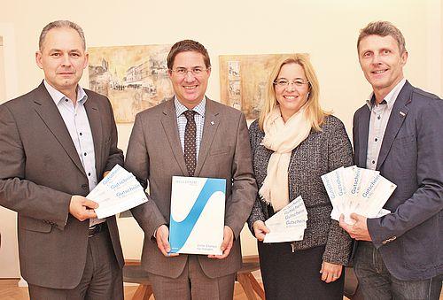 Wels Strom GmbH übergibt Stadt Wels Stromgutscheine