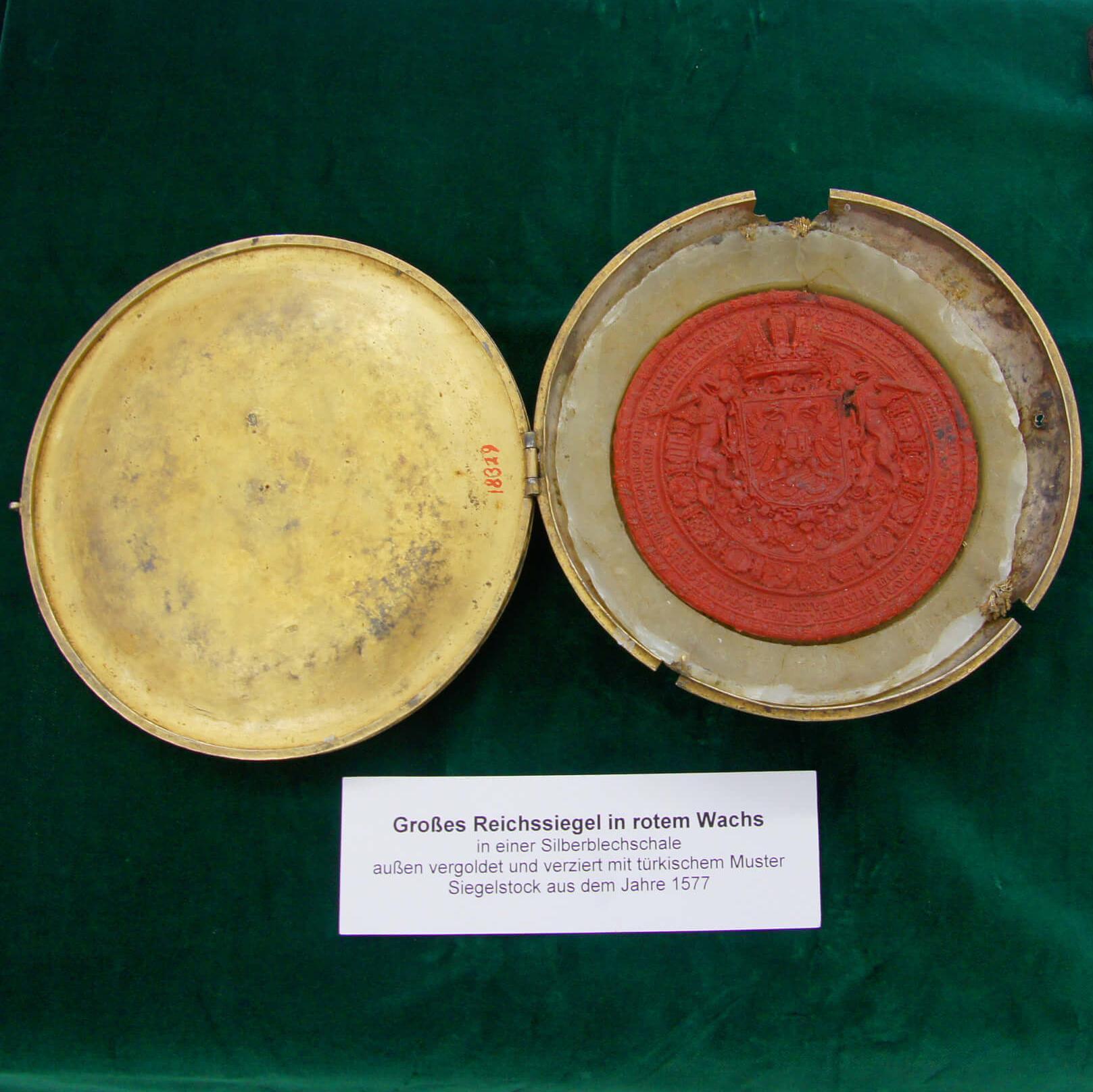 Großes Reichs-Siegel auf rotem Wachs