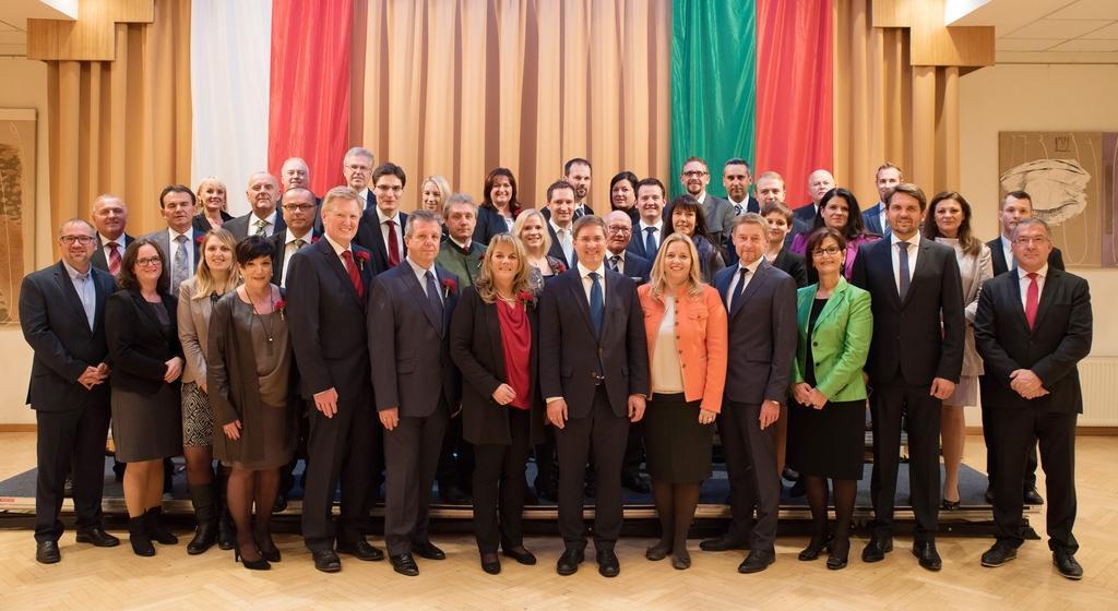 Gruppenfoto Gemeinderat der Stadt Wels