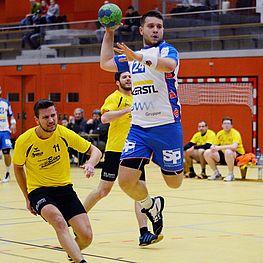 Sportverein Wels - Mann in Aktion beim Ballwerfen