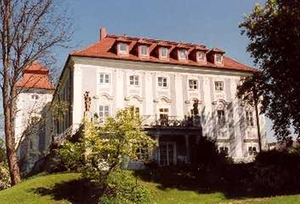 Schloss Lichtenegg, Ansicht vom Schlosspark am 09.05.1944, Aufnahme: StaW